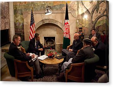 President Obama Meets With Afghan Canvas Print by Everett