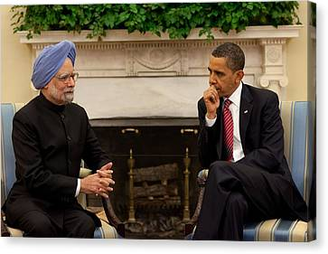 President Obama Meets With Indian Prime Canvas Print by Everett