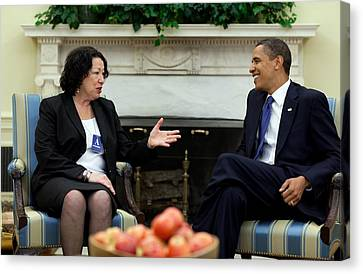 President Obama Meets With Judge Sonia Canvas Print by Everett