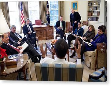 President Obama Meets With Senior Canvas Print