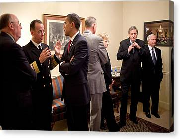 President Obama Talks With Admiral Canvas Print