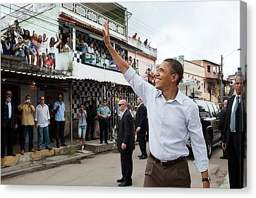 President Obama Waves To People Canvas Print by Everett
