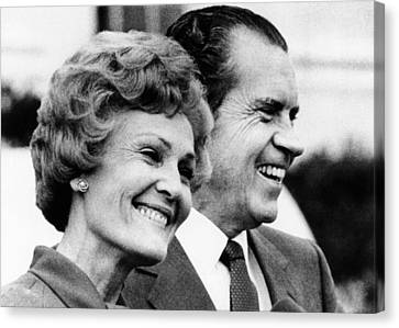 President Richard Nixon And First Lady Canvas Print by Everett