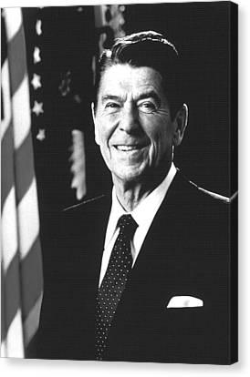 President Ronald Reagan, 1981 Canvas Print by Everett