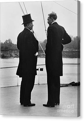 President Roosevelt And Gifford Pinchot Canvas Print by Photo Researchers