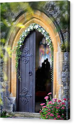 Pretty Portal  Canvas Print by Richard Piper