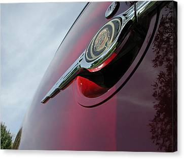Pt Cruiser Emblem Canvas Print by Thomas Woolworth