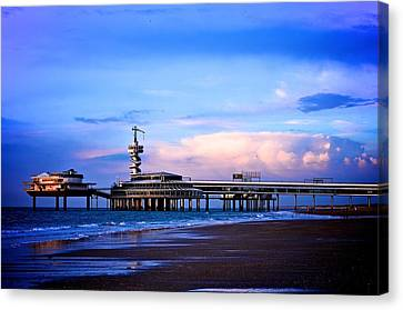 Purple Sunset Pier Canvas Print by Catherine Murton