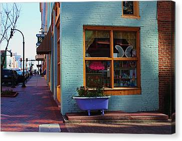 Purple Tub Canvas Print
