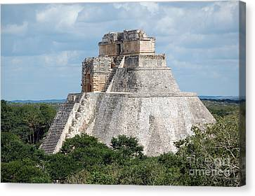 Pyramid Of The Magician At Uxmal Mexico Canvas Print by Shawn O'Brien