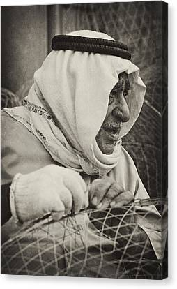 Qatari Fish-trap Maker Canvas Print by Paul Cowan