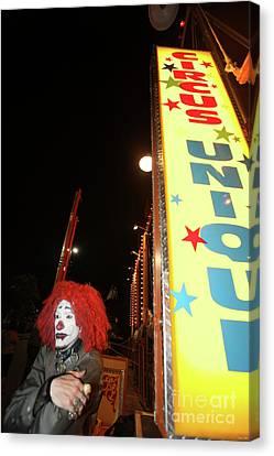 Rash The Clown  Canvas Print by Diane Falk
