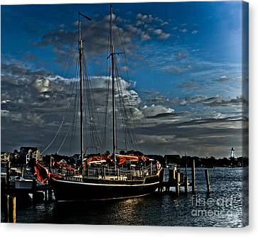 Ready To Sail Canvas Print by Ronald Lutz