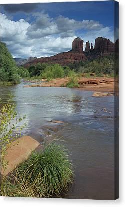 Red Rock Crossing In Sedona, Arizona Canvas Print by David Edwards