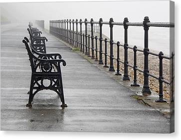 Redcar, North Yorkshire, England Row Of Canvas Print by John Short