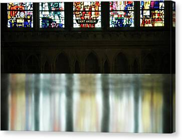 Reflecting On The Beauty Of Canterbury Cathedral Canvas Print by Lisa Knechtel