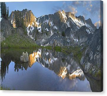 Reflections In Wasco Lake Twenty Lakes Canvas Print by Tim Fitzharris