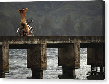 Relaxed Ride Hanalei Bay Canvas Print by Bob Christopher