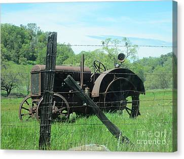 Canvas Print featuring the photograph Retired by Laurianna Taylor