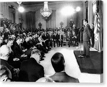 Richard Nixons First Press Conference Canvas Print by Everett