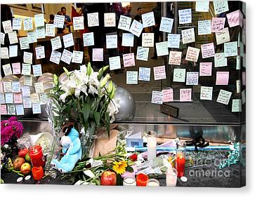 Rip Steve Jobs . October 5 2011 . San Francisco Apple Store Memorial 7dimg8574 Canvas Print by Wingsdomain Art and Photography