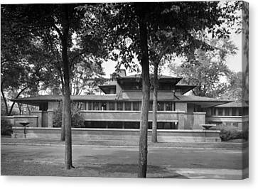 Robie House Was Designed In 1910 Canvas Print by Everett