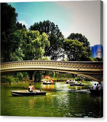 Romance - Central Park - New York City Canvas Print by Vivienne Gucwa