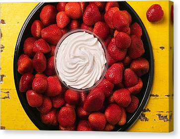Round Tray Of Strawberries  Canvas Print by Garry Gay