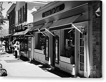 Rows Of Restaurants In The Historic Queen Street District Of Niagara-on-the-lake Ontario Canada Canvas Print
