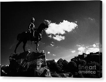 Royal Scots Greys Boer War Monument In Princes Street Gardens With Edinburgh Castle In The Backgroun Canvas Print by Joe Fox