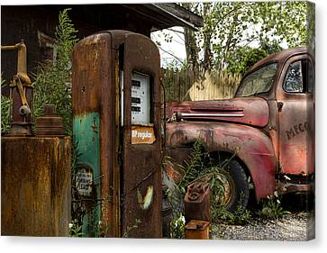 Rust Never Sleeps Canvas Print by Peter Chilelli