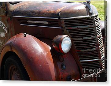Rusty Old 1935 International Truck . 7d15499 Canvas Print by Wingsdomain Art and Photography
