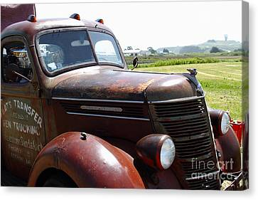 Rusty Old 1935 International Truck . 7d15509 Canvas Print by Wingsdomain Art and Photography