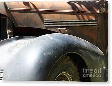 Rusty Old 1939 Chevrolet Master 85 . 5d16197 Canvas Print by Wingsdomain Art and Photography