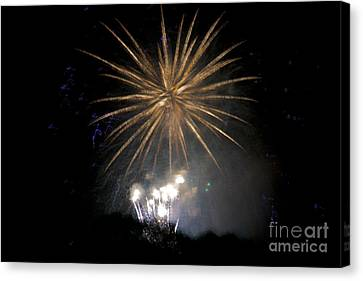 Canvas Print featuring the photograph Rvr Fireworks 1 by Mark Dodd