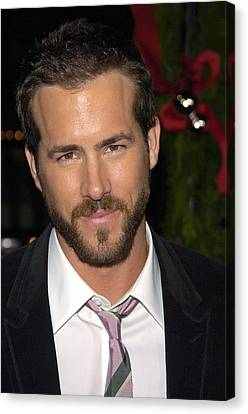 Ryan Reynolds At Arrivals For Just Canvas Print by Everett