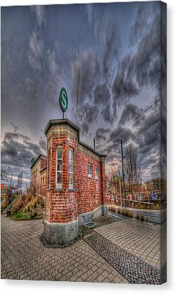 S Bahn Eck Canvas Print by Nathan Wright