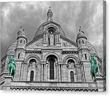Canvas Print featuring the photograph Sacre Coeur Montmartre Paris by Dave Mills