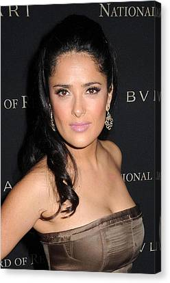 Salma Hayek At Arrivals For 2008 Canvas Print by Everett
