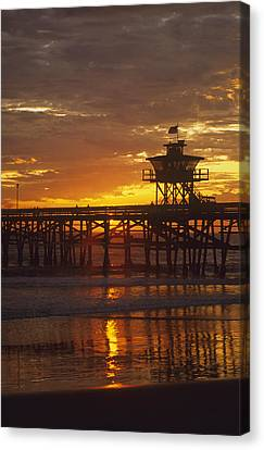 San Clemente Lifeguard Tower And Pier At Sunset Canvas Print by Cliff Wassmann