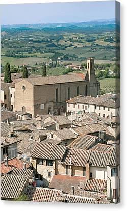 San Gimignano Canvas Print by Rob Tilley