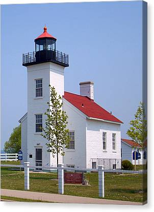 Canvas Print featuring the photograph Sand Point Lighthouse In Escanaba Mi by Mark J Seefeldt