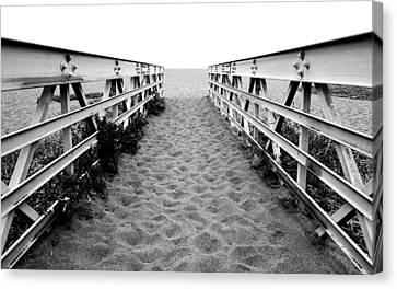 Sandy Bridge - Black And White Canvas Print