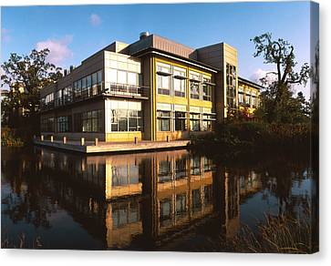 Sanger Centre Used For The Human Genome Project Canvas Print by David Parker