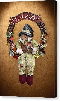 Scarecrow On Autumn Wreath Canvas Print by Linda Phelps