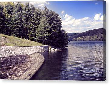 Scenic Of Barkhamsted Reservoir Canvas Print by HD Connelly