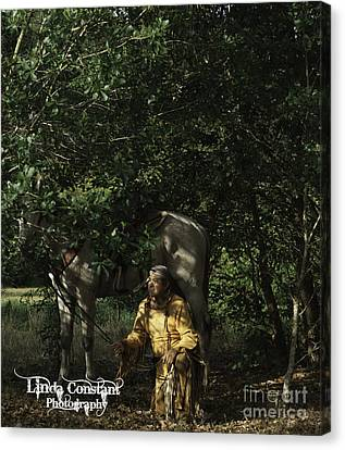 Canvas Print featuring the photograph Searching by Linda Constant