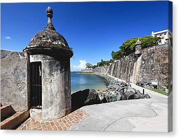 Sentry Post On Paseo Del Morro Canvas Print by George Oze