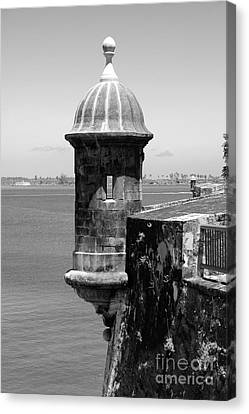 Sentry Tower Castillo San Felipe Del Morro Fortress San Juan Puerto Rico Black And White Canvas Print by Shawn O'Brien