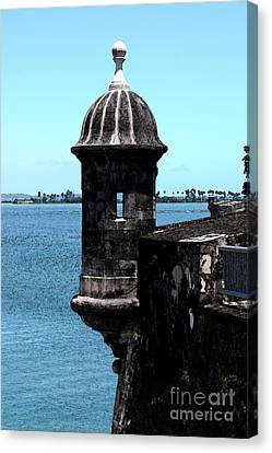Sentry Tower Castillo San Felipe Del Morro Fortress San Juan Puerto Rico Fresco Canvas Print by Shawn O'Brien